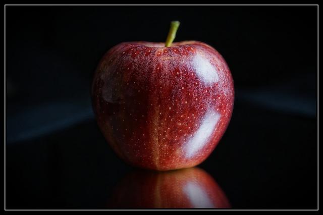 apple-1772556_640