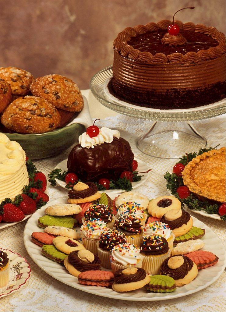 dessert-table-522428_1920